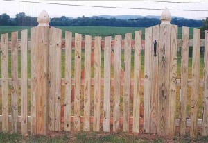 Spaced Picket Wood Gate with Dip